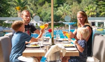 Септемврийски празници в хотел Poseidon Sea Resort 4*, Ситония