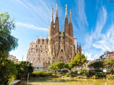 Екскурзия до Барселона със самолет и екскурзовод на български език